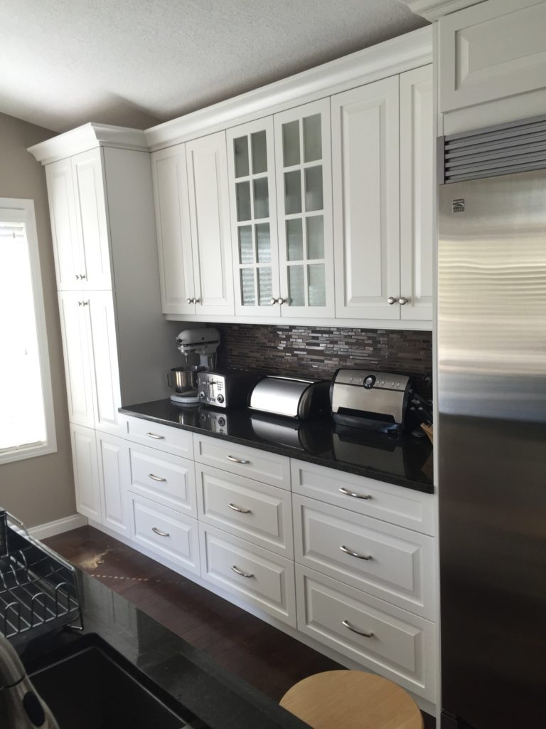 white cabinets kitchen renovation