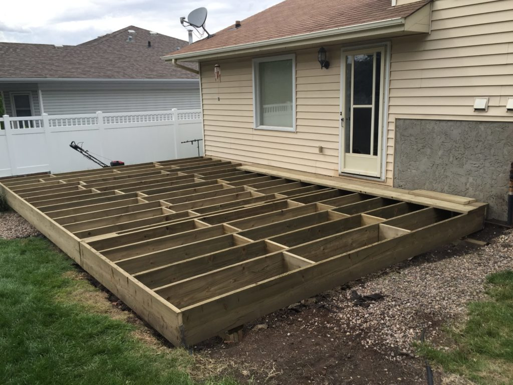 building new deck in backyard